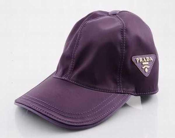 casquette prada,bonnet echarpe prada Casquette Pas Cher rose et blanche pas  chers casquette prada prix magasin 5b0785279bb