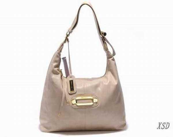 sacs de voyage homme lancel sac pour femme en cuir sac. Black Bedroom Furniture Sets. Home Design Ideas